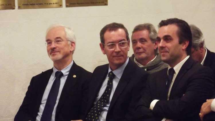 José Manuel Silva, bastonário cessante; Miguel Guimarães, bastonário eleito; e Carlos Cortes, presidente da SRCOM