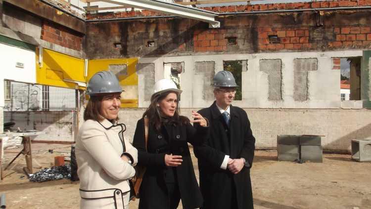 Margarida Mano, ex-vice-reitora; Manuela Nogueira, arquitecta; e João Gabriel Silva, reitor da UC