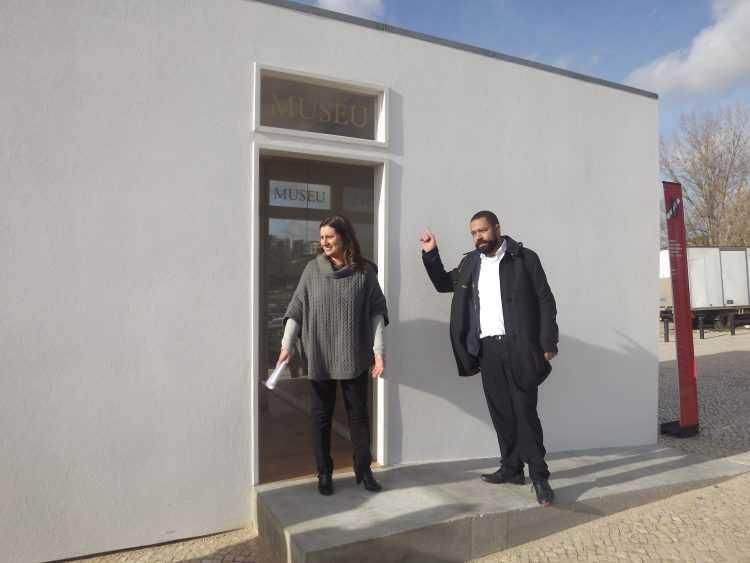 Carina Gomes, vereadora da Cultura, e Carlos Antunes, director do Círculo de Artes Plásticas, na inauguração do Museu de Francisco Tropa
