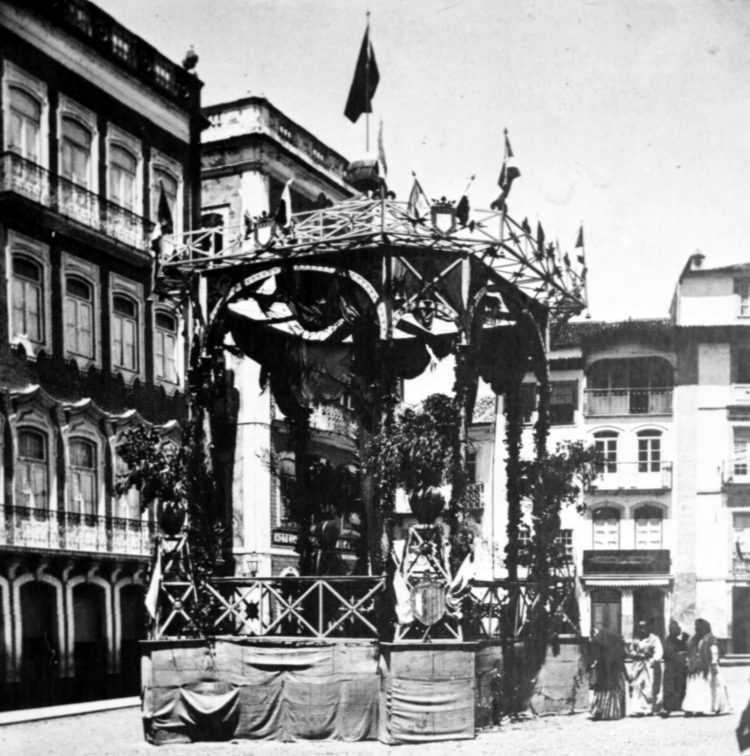 Festejs populares de Coimbra - as fogueiras